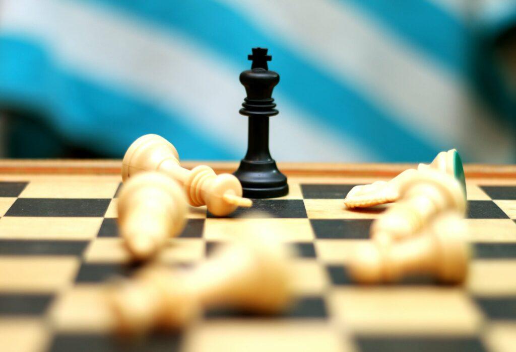 SWOT-Analyse king chess piece
